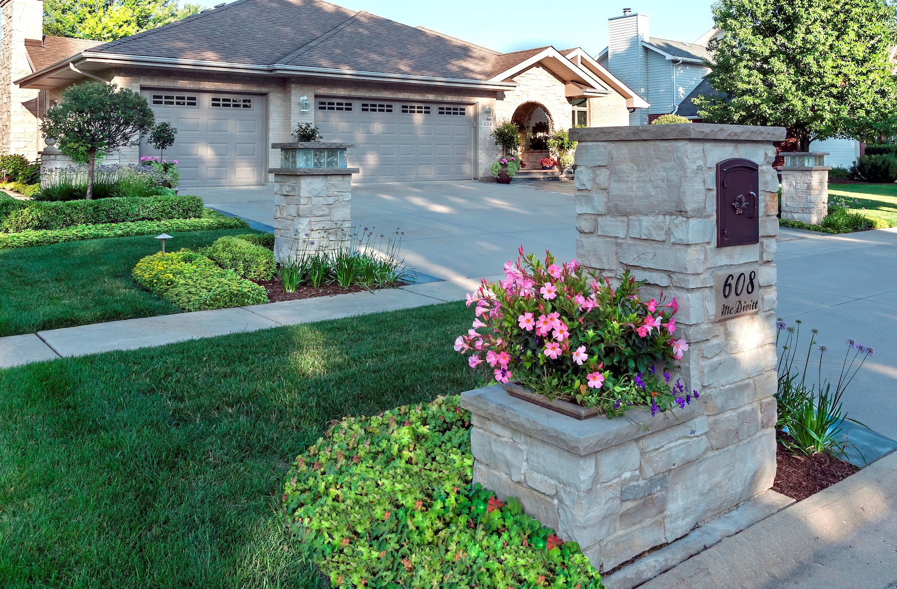 Entry way plant containers