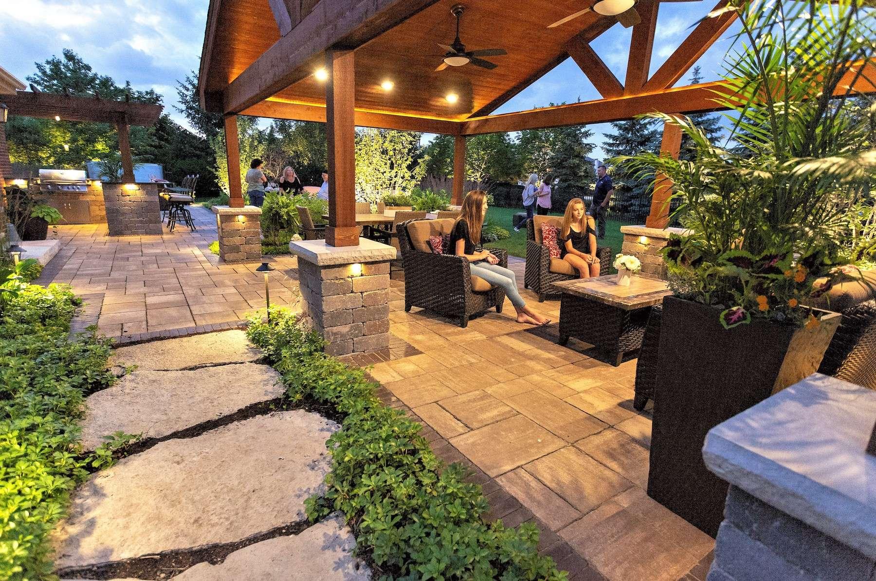 Landscape lighting ideas for your backyard