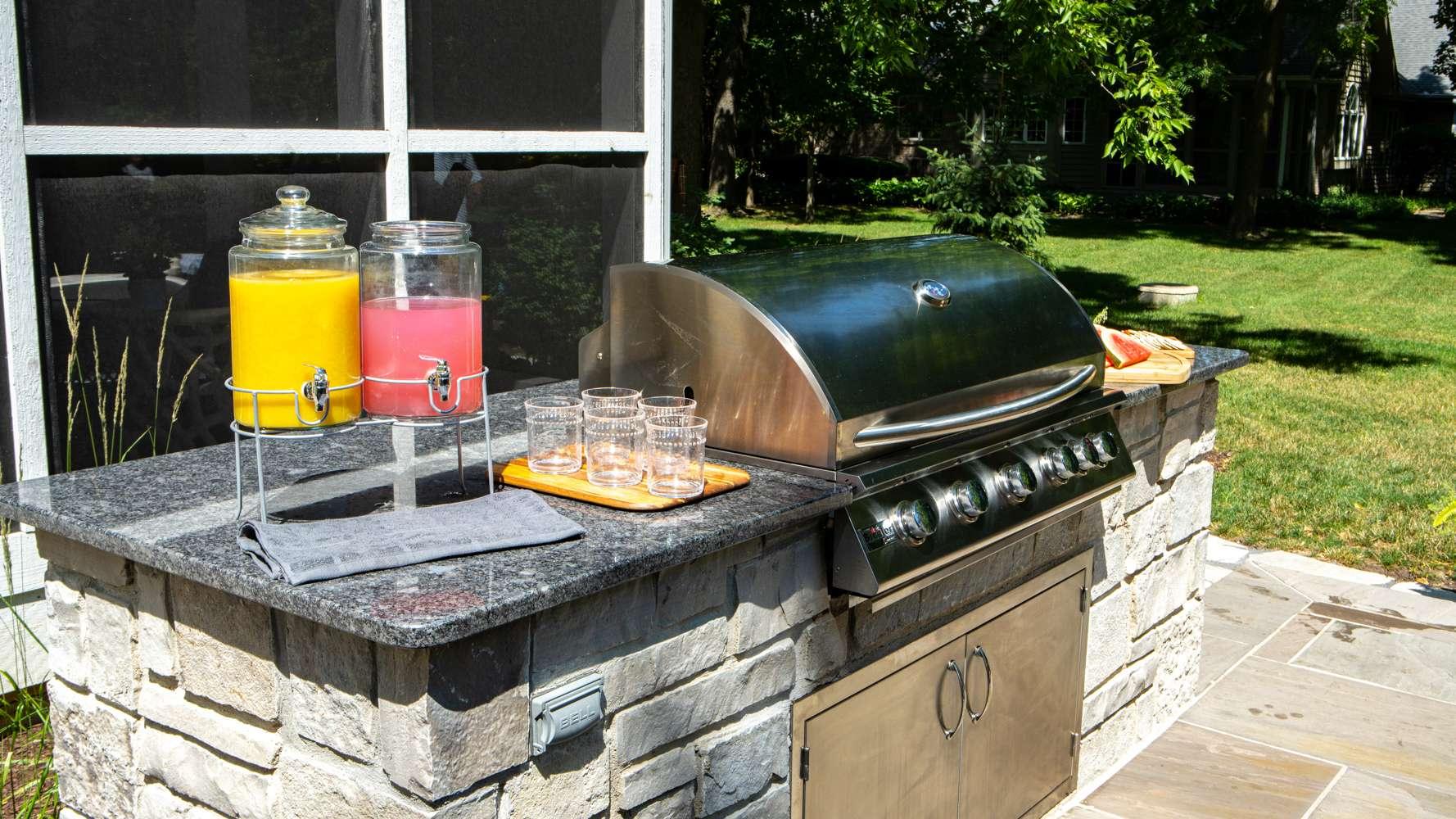outdoor built-in grill
