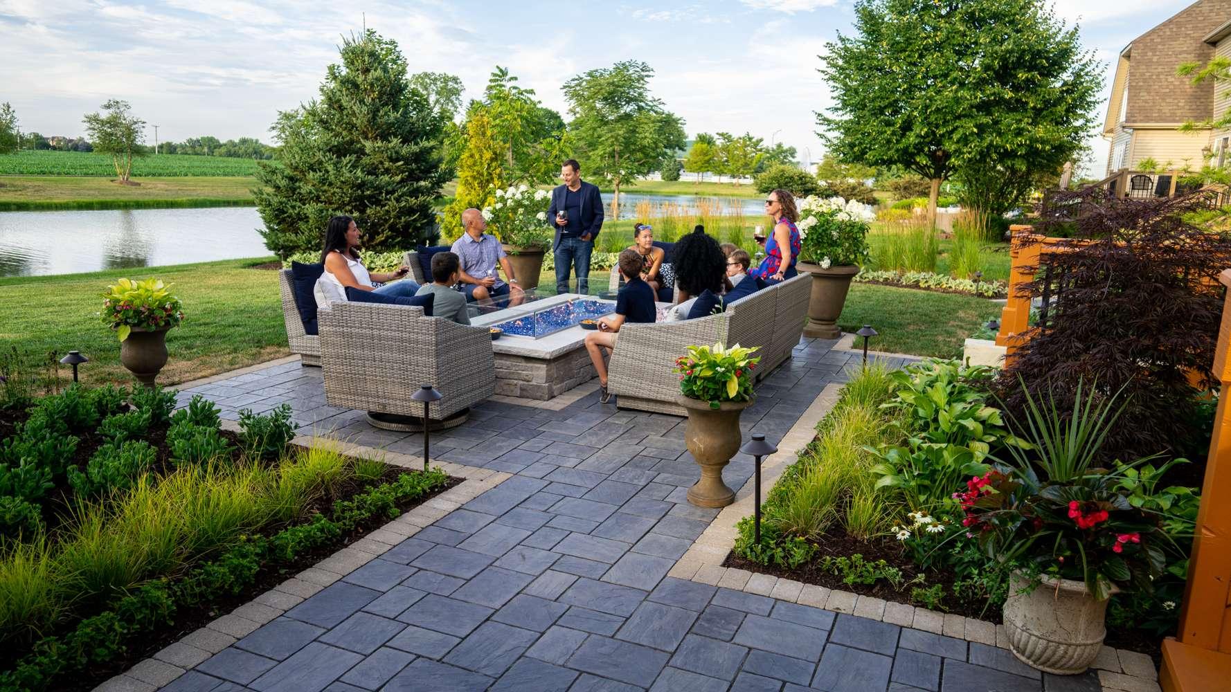 beautiful patio design in Plainfield, IL