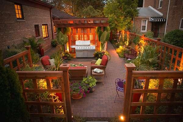 Landscaping design in a small urban backyard
