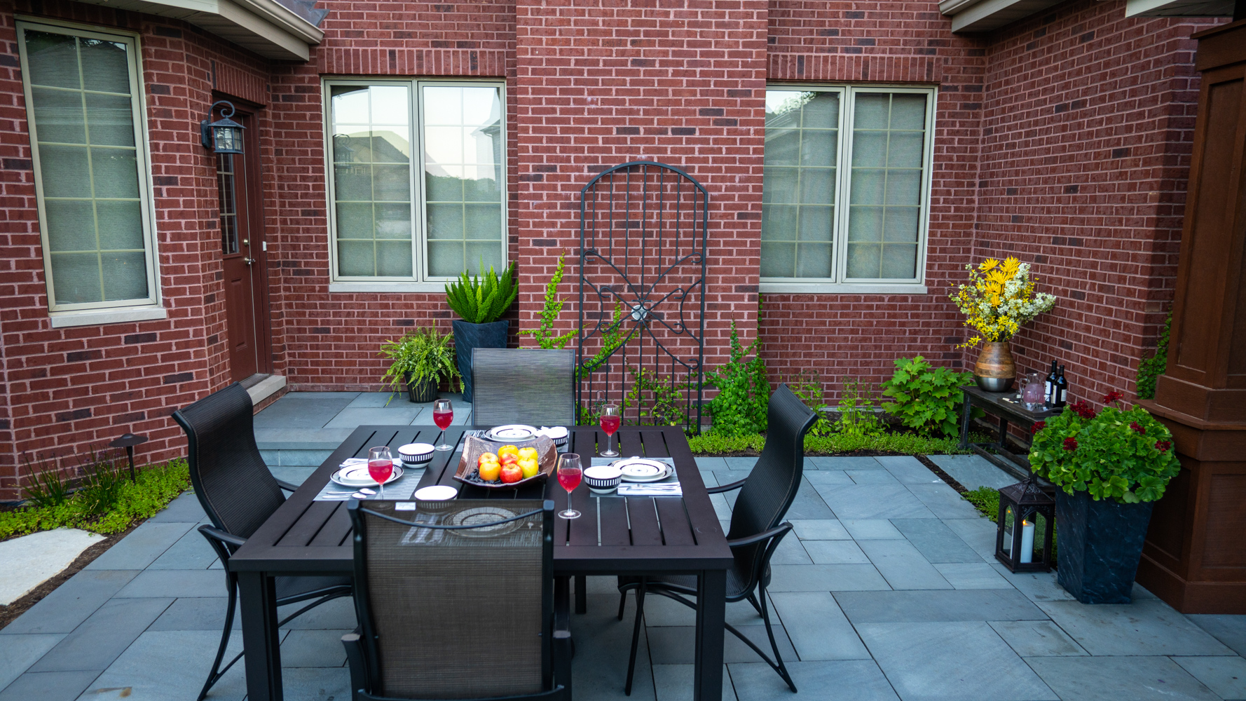 Brick patio colors